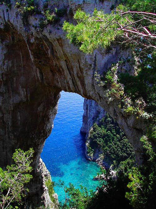 the Arco Naturale di Capri