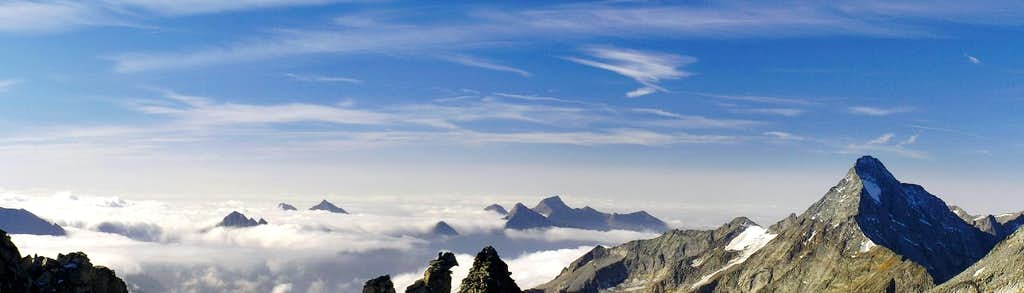 Alpi Aurine/Zillertal Alps early morning pano