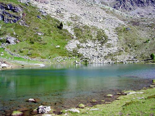 Vernouille placid Loch (Champorcher\'s Valley)