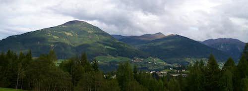 Patscherkofel (2246m), Kreuzspitze (2746m), Morgenköpfl (2216m), Seeblesspitze (2628m), Mislkopf (2623m)