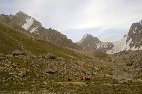 Camping on the north side of the East Jutmo Glacier
