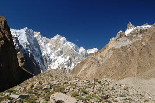 Kunyang Chhish East (left) and an unnamed peak (right) above the Pumari Chhish glacier