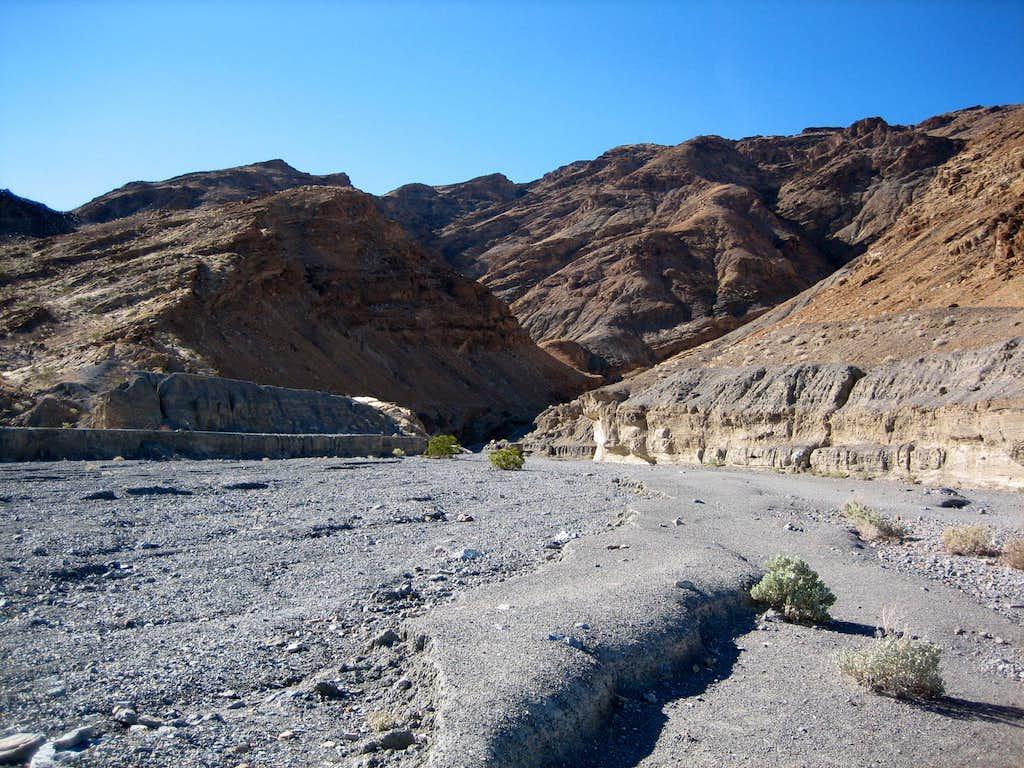 Entrance to Mosaic Canyon
