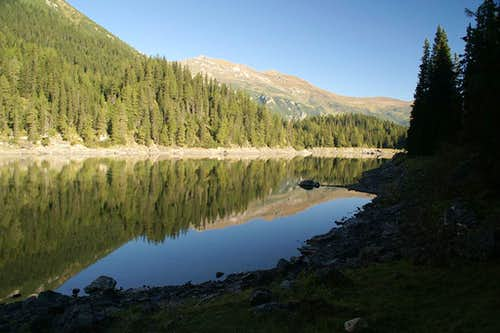 Rötenspitze in the mirror of Obernberger See