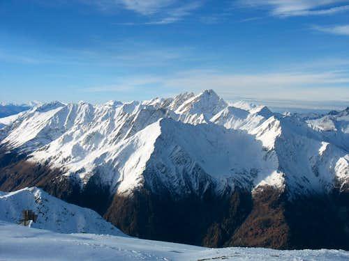 Mont Crammont and peaks around