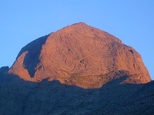Alpenglow on Columbia\'s...