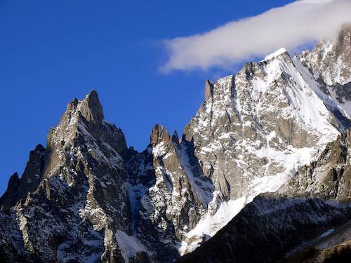 Aiguille Noire de Peuterey (3773 m), Les...