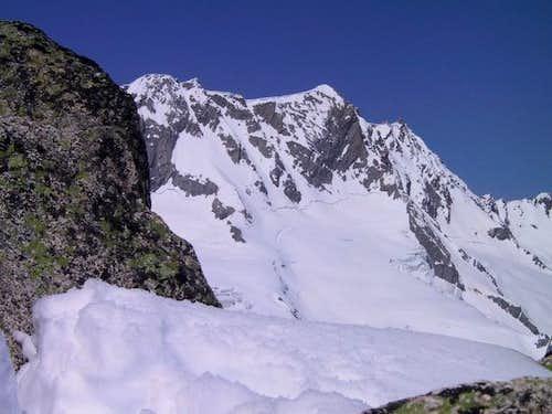 Dammastock is left with snow,...
