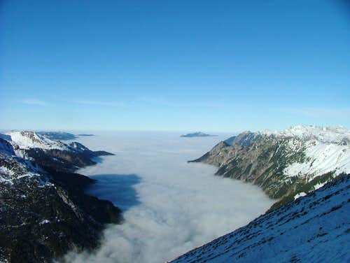 Oberstdorf under a sea of clouds on a very special day in November