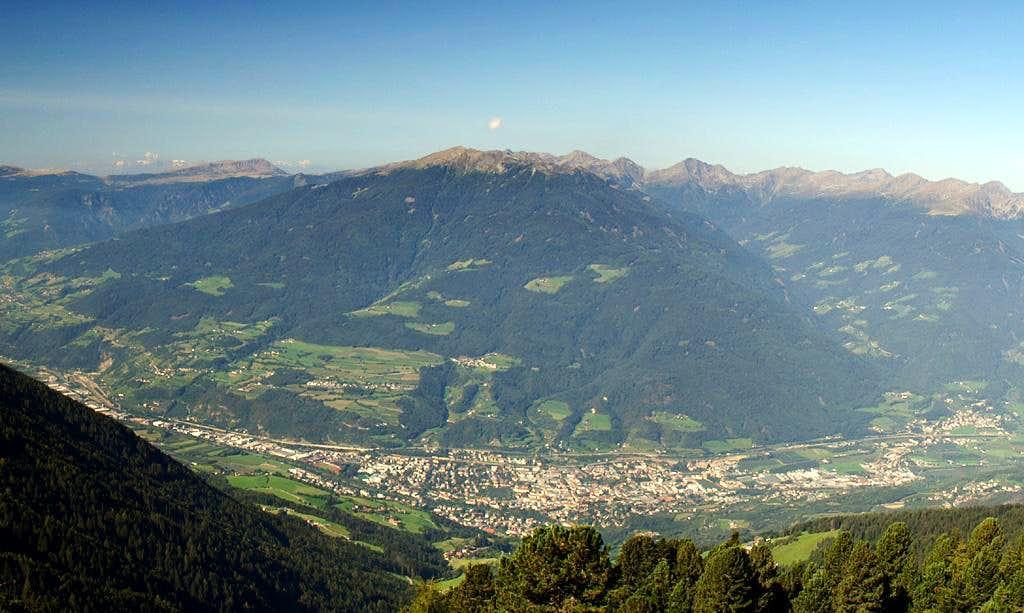 Königsangerspitze above the town of Brixen / Bressanone