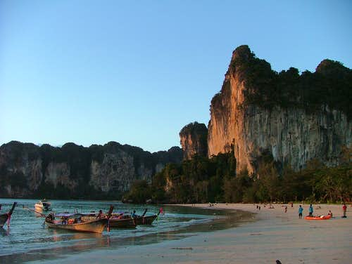 Tonsai tower seen from Hat-Railay-West beach