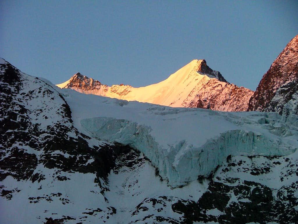 Hohberghorn NE-Face seen from Bordierhütte at first sunlight