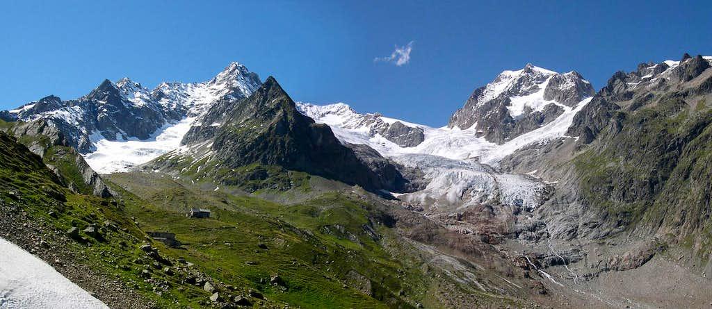 Sector of Mont Blanc range including <br> Aiguille des Glaciers and Aiguilles de Trelatète