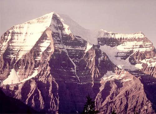 Mount Robson Wishbone Arete...