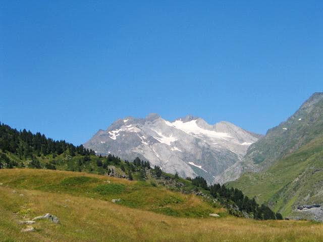 View of the vignemale massif...