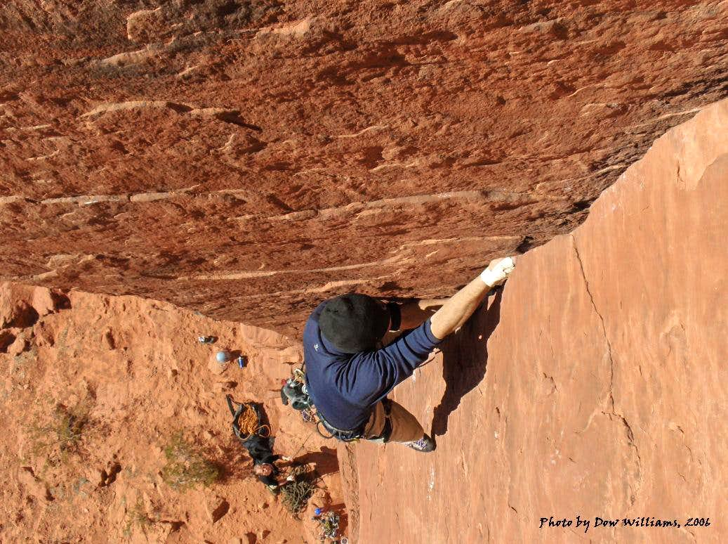 Bluff Street Cracks, 5.9+-5.10c
