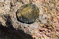 Bierstadt summit marker.