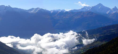 La Grivola (3969 m) e il Grand Nomenon (3488 m)