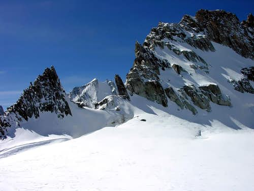Aiguille Blanche de Peuterey <i>4112m</i> <br> in the background seen from Colle d\'Entreves