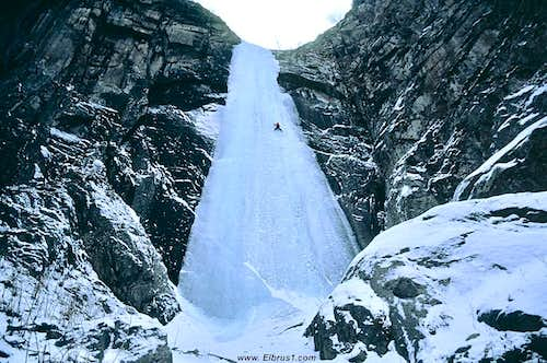 Tyrnyauz ice-climbing - common front view...