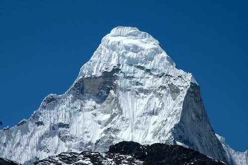 Ama Dablam Close shot