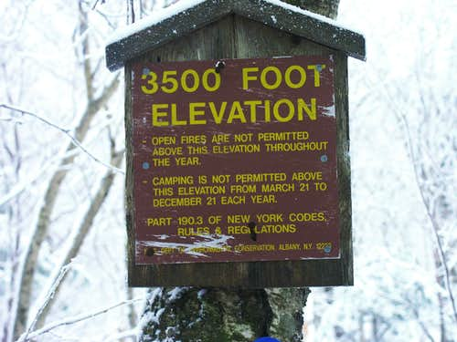 3500\' Elevation Sign