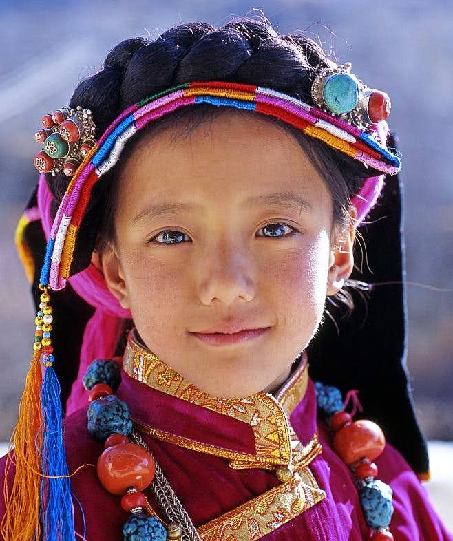 A Tibetan girl-1 : Photos, Diagrams & Topos : SummitPost