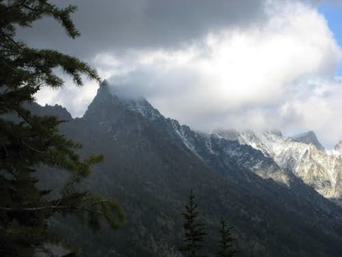 Poor weather on Sherpa Peak.