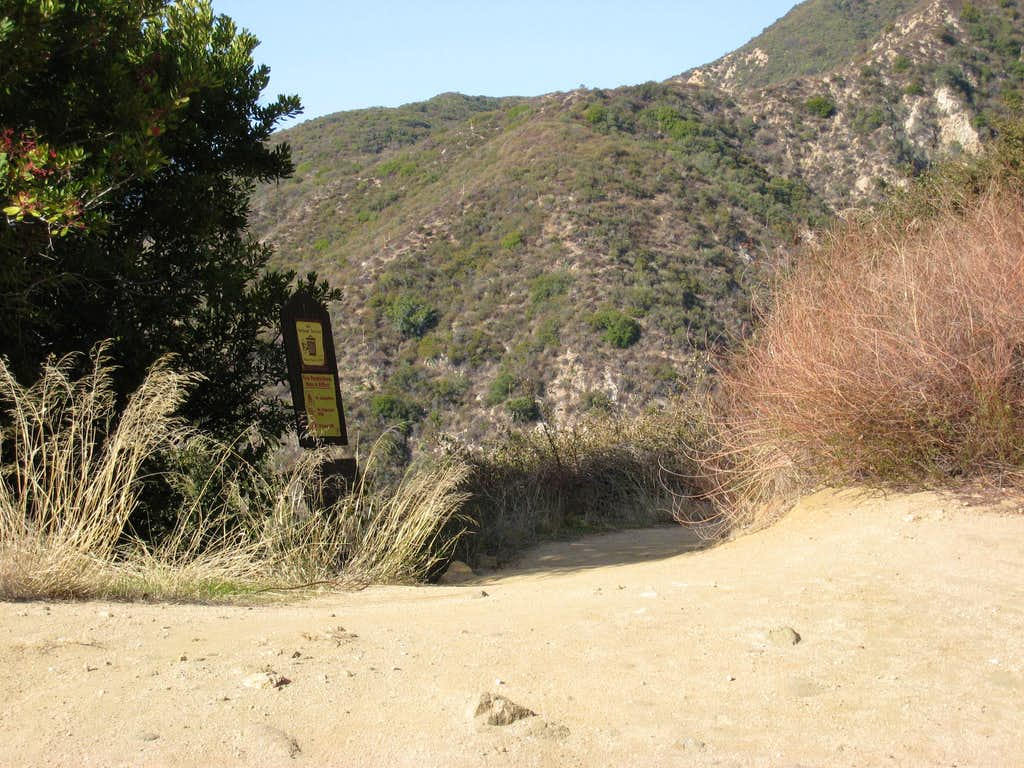 Beginning of Sunset Ridge Trail into Millard Canyon