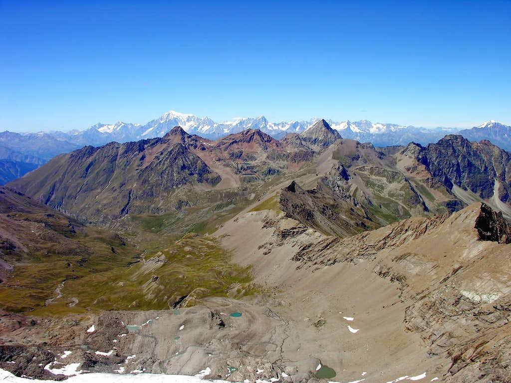 Il gruppo del monte Emilius visto dalla punta Tersiva