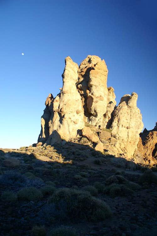 Moonrise above the Roques de Garcia