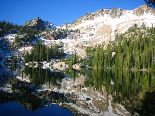 Alpine Lake / Mt. Alpen