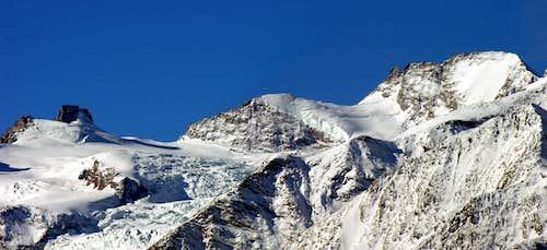 From left: Punta di Ceresole, cresta Gastaldi,  il Roc  and Gran Paradiso