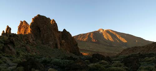 Teide during sunset as seen from the Roques de Garcia