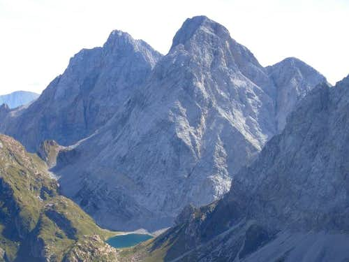 Monte Volaia summit views