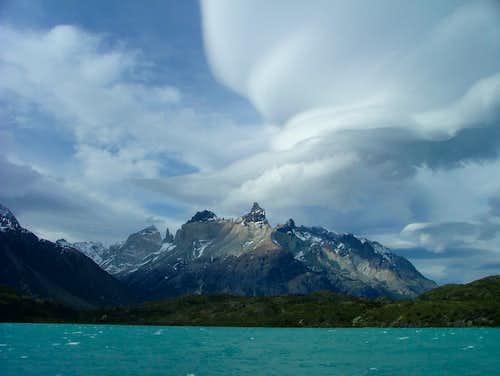 Cuernos del Paine ...