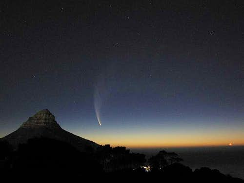 Comet McNaught over Lion\'s Head