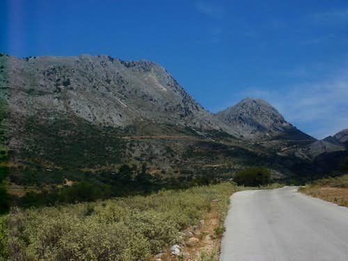 Serekas mountain peaks
