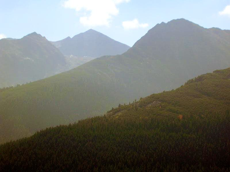 ridges of Retezat mountains