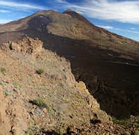 Summit view towards Pico Viejo and Teide