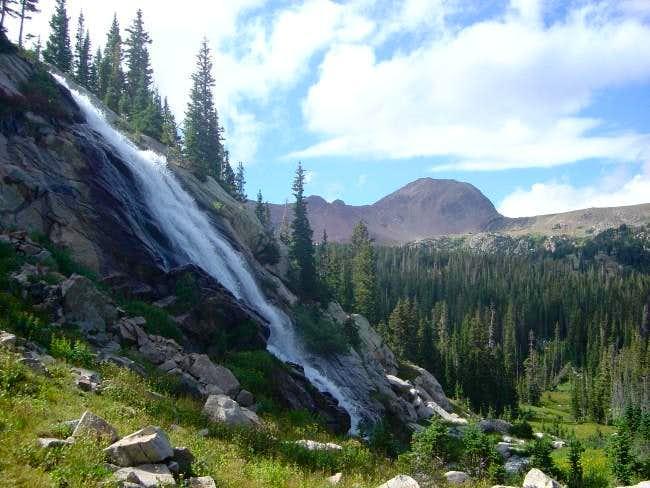 An impressive waterfall...