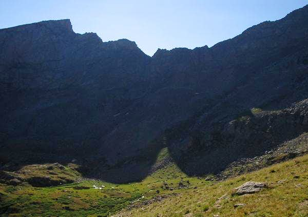 The imposing Sawtooth Ridge