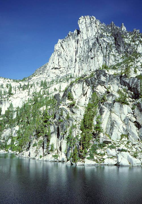 08 Prusik Peak over Lake Viviane