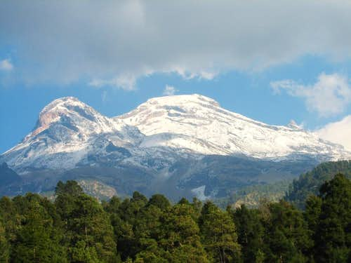 The white Iztaccíhuatl
