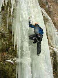 Akhlamad waterfall