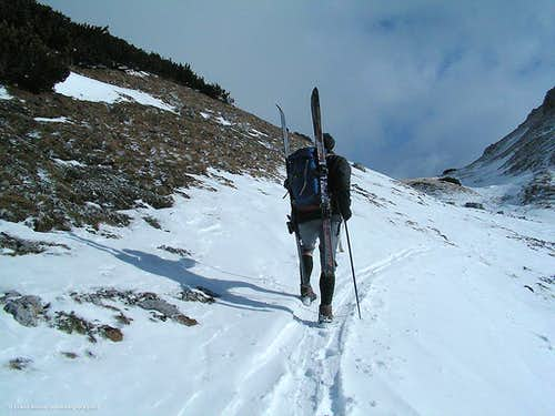 Ski touring a different way