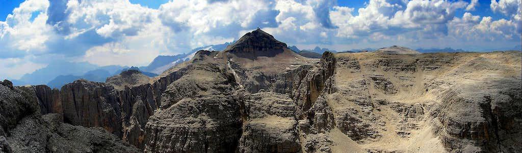 Pan from Pisciadu, view toward South