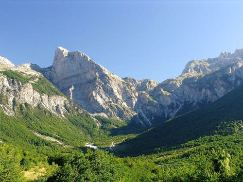 Thethi and Pejës Pass