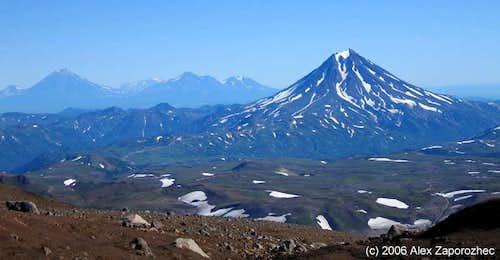 Viljuchinskij volcano and other volcanos