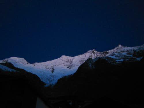 Albhubel, Täschhorn, Dom, Lenzspitze in the first light